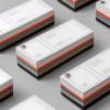 一度見たら忘れない ビジュアルも美しい色見本型デザイン名刺