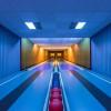 アートなイメージを思わせるボウリング場のフォトシリーズ「Bowling Alleys: Photos by Robert Götzfried」