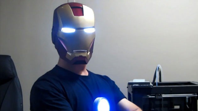 3d-printed-iron-man-helmet-by-ryan-brooks-620x348