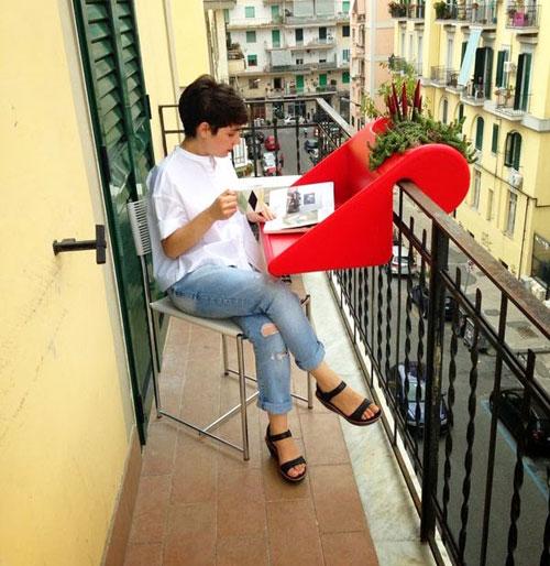 balconydesk1